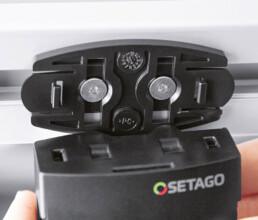 Adapterplatte eines SETAGO Sensorgehäuses für Pick to Light Montageleitsysteme im Spritzguss gefertigt