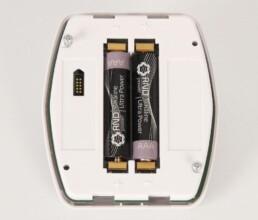 Montierte Elektronik mit Batteriefach in einem Kunststoff-Spritzgussteil