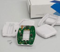 Spritzgussteile mit eingebauter Elektronik und Endverpackung